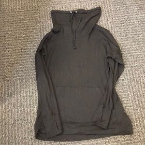 Athleta size L loose pull over. Black and SO soft!